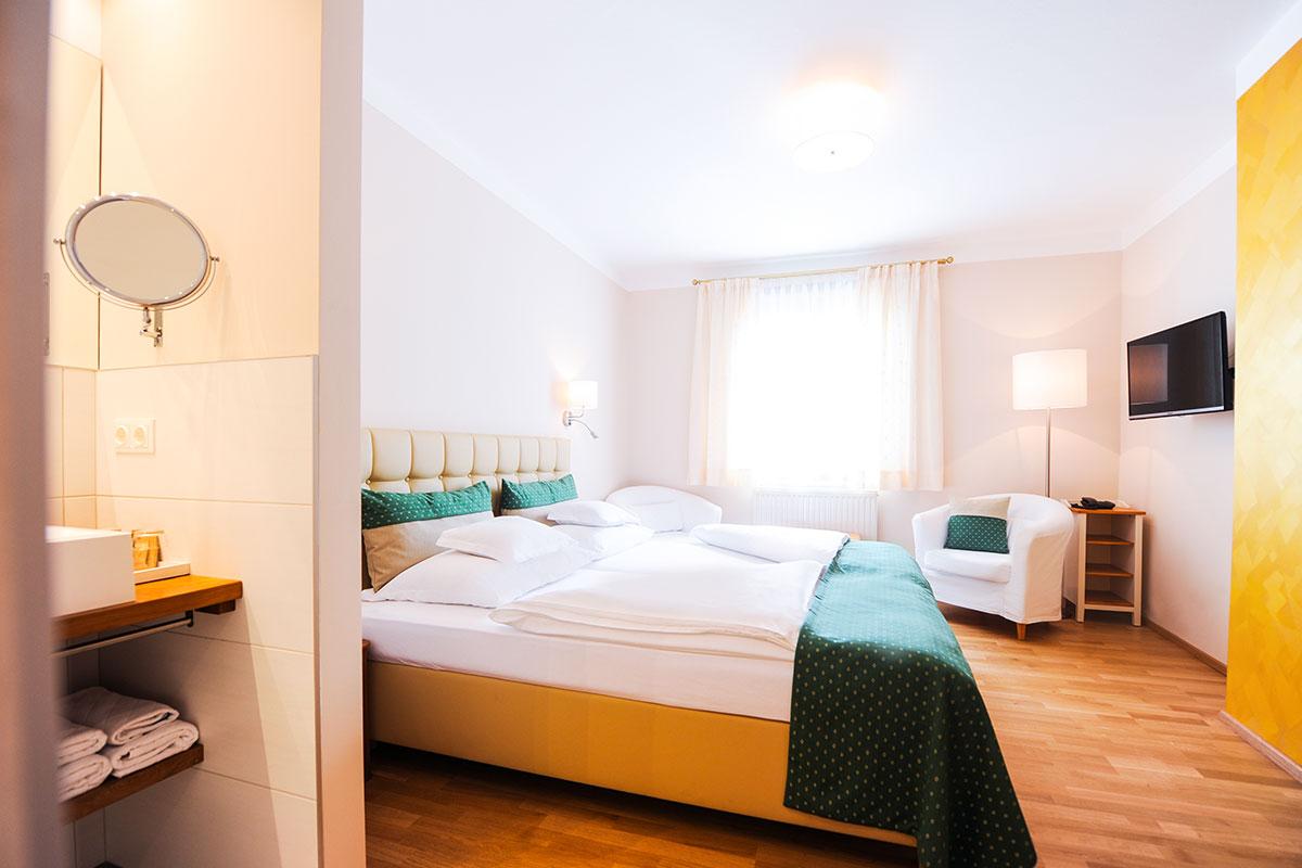 """Donauwirt Zimmer """"Goldhaube"""""""