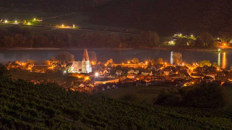Weißenkirchen bei Nacht